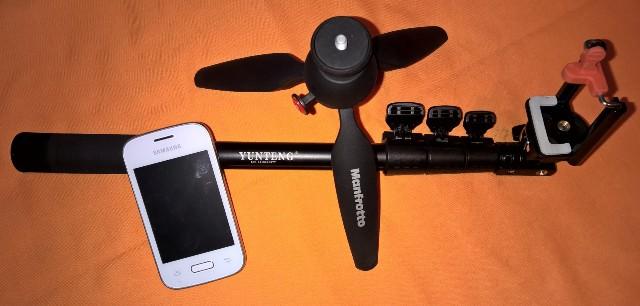 mini tripod Manfrotto+barre à selfie+smartphone